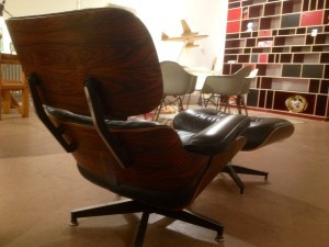 LOUNGE CHAIR EAMES,